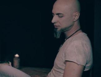 دانلود موزیک ویدئو آرش ساغری به نام آه زندگی